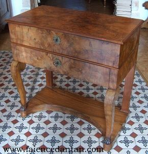 La Faience D'antan - barbière - Dressing Table