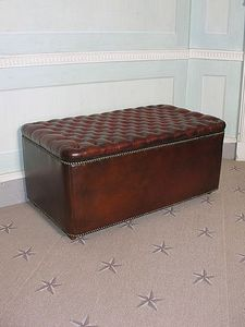 Sibyl Colefax & John Fowler Antiques -  - Blanket Chest