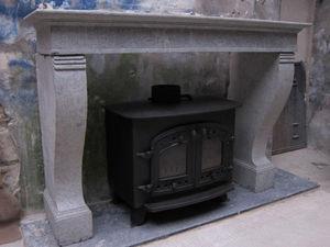 SIMON WHARTON -  - Closed Fireplace