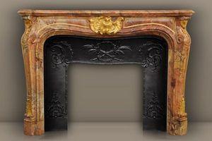 MAISON & MAISON - comtesse de vintimille, cheminée sur mesure - Fireplace Mantel