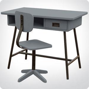 L'oiseau fait son nid -  - Children's Desk