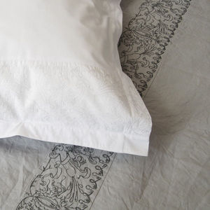 DIVINE MARQUISE - songes de marie - Bed Sheet