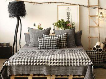 Maison De Vacances - pied de coq - Fabric By The Metre