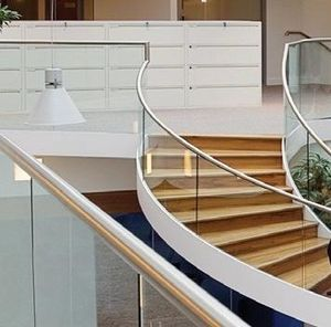 GLASSOLUTIONS France -  - Stair Railing