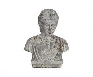Demeure et Jardin - buste femme romaine en terre cuite - Bust Sculpture