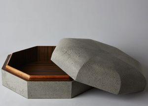 De Nacre Et D'orient - manège - Decorated Box