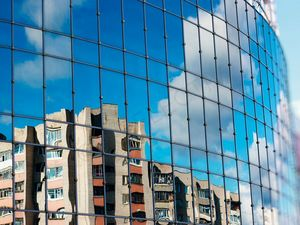 One-way mirror film