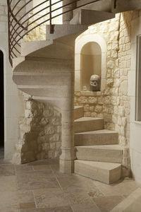 Occitanie Pierres - escalier hélicoïdal auberoche ocre layé rustique. - Spiral Staircase