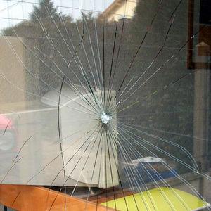 SANERGIES -  - Security Window Film