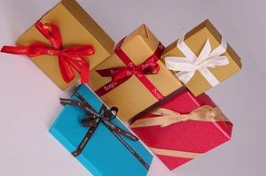 Customised gift paper
