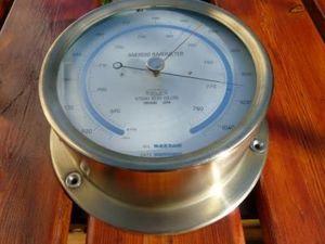 La Timonerie Antiquités marine - baromètre anéroïde en laiton - Barometer