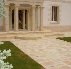 Bradstone -  - Outdoor Paving Stone