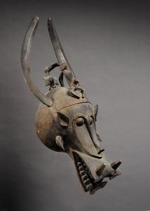 Kathy van der Pas & Steven van de Raadt - masque heaume wabele - African Mask