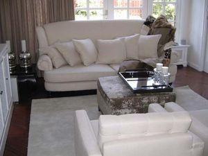 Karin Moorhouse Lnteriors -  - Living Room