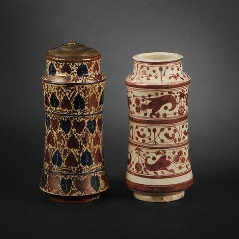 Expertissim - Decorative vase-Expertissim-Paire d'albarelli dans le goût du XVe siècle