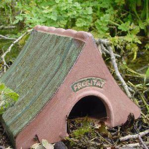 Wildlife world - Frog-Wildlife world-Ceramic Frog & Toad House