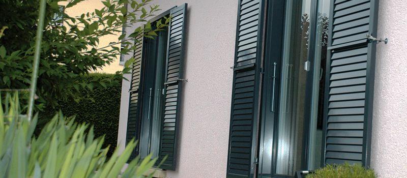 FAVOROL PAPAUX Klapp-Lamellenfensterläden Fensterläden Fenster & Türen  |