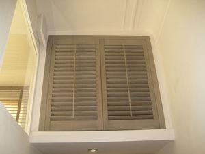 JASNO - fenêtre persienne - Klapp Lamellenfensterläden