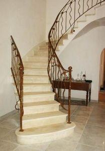 PIERRES -  - Viertelgewendelte Treppe