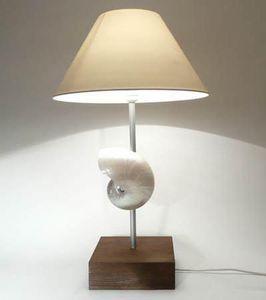 AN ATOLL -  - Tischlampen