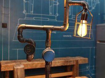 COMPAGNIE DES AMPOULES A FILAMENT - lampe tube & compteur - Tischlampen