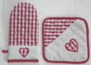 ITI  - Indian Textile Innovation - heart emb - Ofenhandschuh