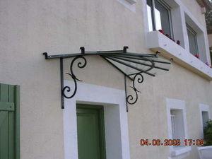 Basset Ferronnerie Freres -  - Eingangsvordach