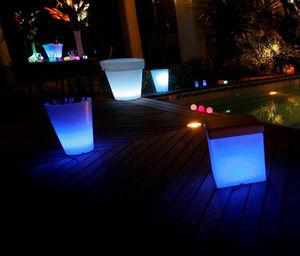 LED ON -  - Leuchtblumentopf