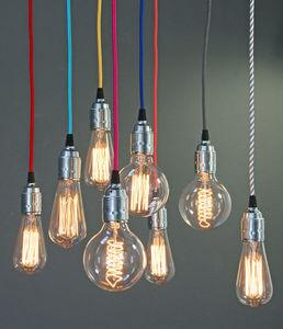 Gerard Lamy - cables etxtiles et ampoules decoratives - Stromkabel