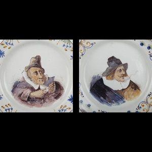 Expertissim - paire de plats ronds à bord contourné en faïence - Platte