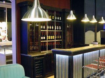 PROVENCE ET FILS - deux corps vinotheque chene vielli - eclairage led - Zweiteiliges Buffet