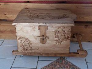 DECO CHALET MONTAGNE -  - Kofferschrank