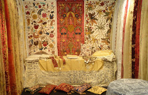 PASSION HOMES BY SARLA ANTIQUES - wall tapestries - Stiltapete