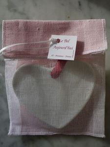 LE BEL AUJOURD'HUI - médaillon coeur d'amour - Parfürmierte Keramik