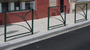 Acropose -  - Parkplatz Absperrung
