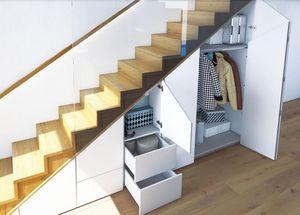 Ablage unter der Treppe
