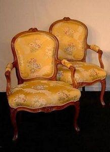 Baron Antiquités - fauteuils cabriolet - Armsessel