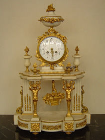 Courcelles Antiquités - pendule style louis xvi - Tischuhr