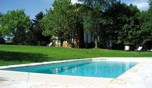 Alliance Piscines -  - Traditioneller Swimmingpool