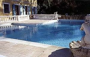 Arcuri -  - Traditioneller Schwimmbad