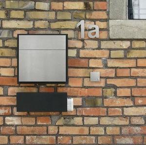 Door Shop - line one - Briefkasten