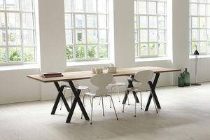 MA/U Studio - Mesa de despacho ergonómica