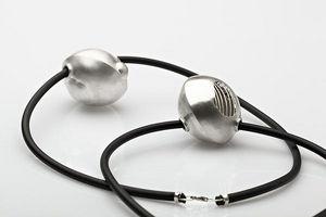 LISE LINARD -  - Collar