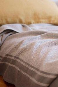 MUNGO - quill blanket - Cubrecama