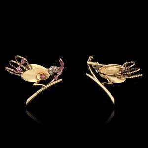 Expertissim - broche oiseau en or, diamants et rubis - Alfiler