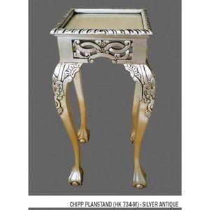 DECO PRIVE - deco argentee reussie avec cette sellete argentee - Pedestal