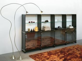 FITTING - esibire - displaying - Expositor