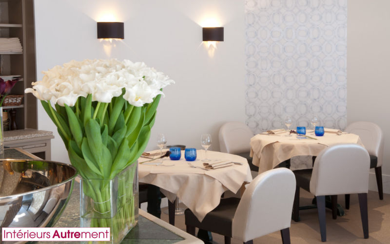 INTERIEURS AUTREMENT Progetto architettonico per interni - Sala da pranzo Sala da pranzo Tavoli e Mobili Vari Sala da pranzo |