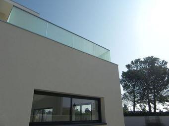 TRESCALINI - glassy : garde-corps verre d�poli - Parapetto