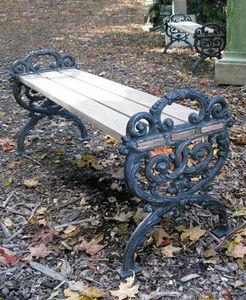 BARBARA ISRAEL GARDEN ANTIQUES - cast-iron and wood benches - Panchina Da Giardino